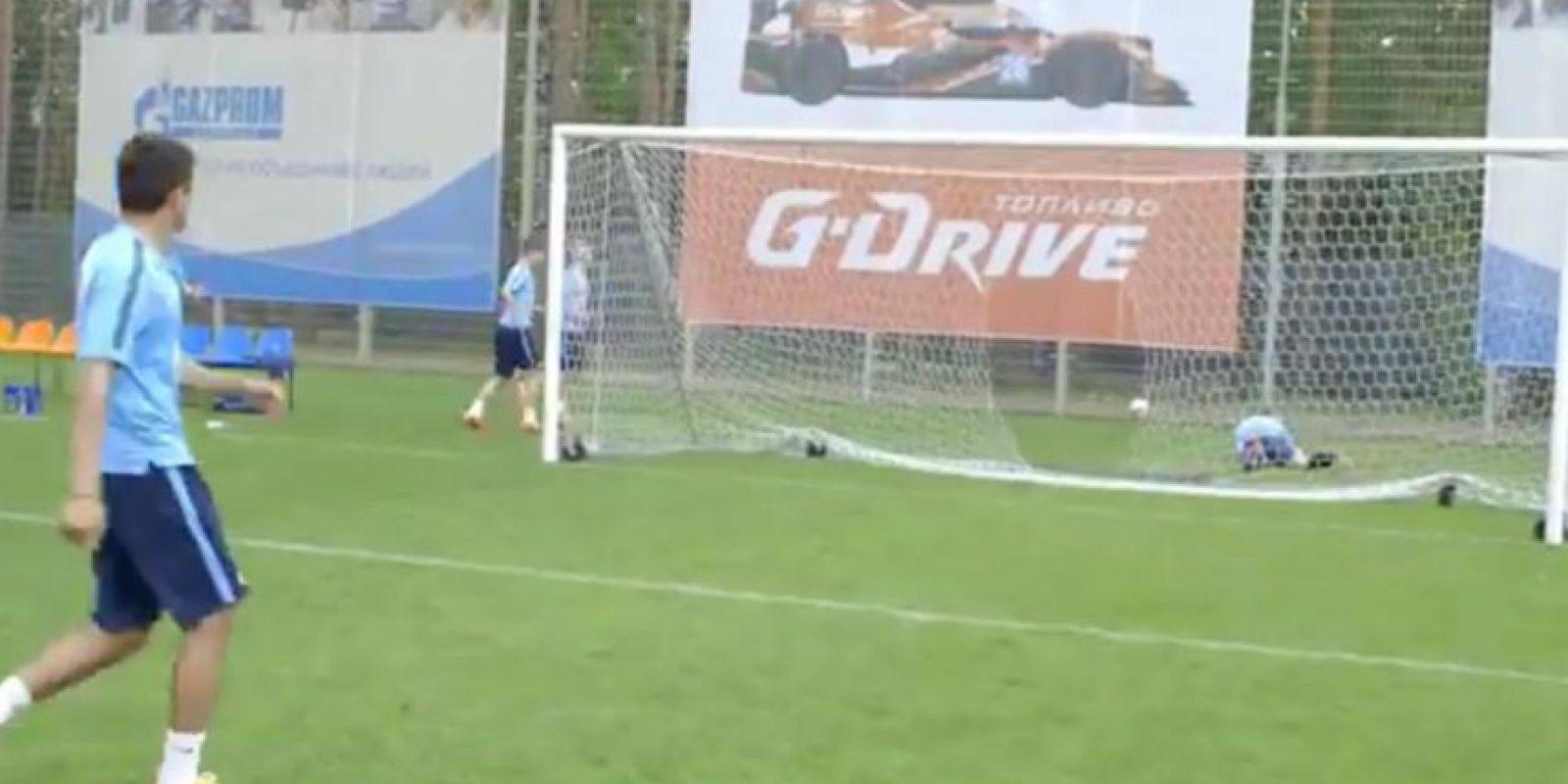 El corpulento delantero brasileño ha sido objeto de las bromas de parte de sus compañeros de equipo. Foto:Zenit FC