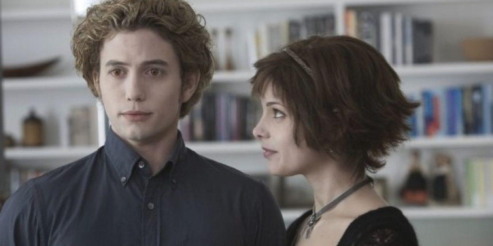 """Jackson Rathbone y Ashley Greene , le dieron vida a """"Casper"""" y """"Alice"""", dos vampiros con poderes sobrenaturales Foto:iMDB"""