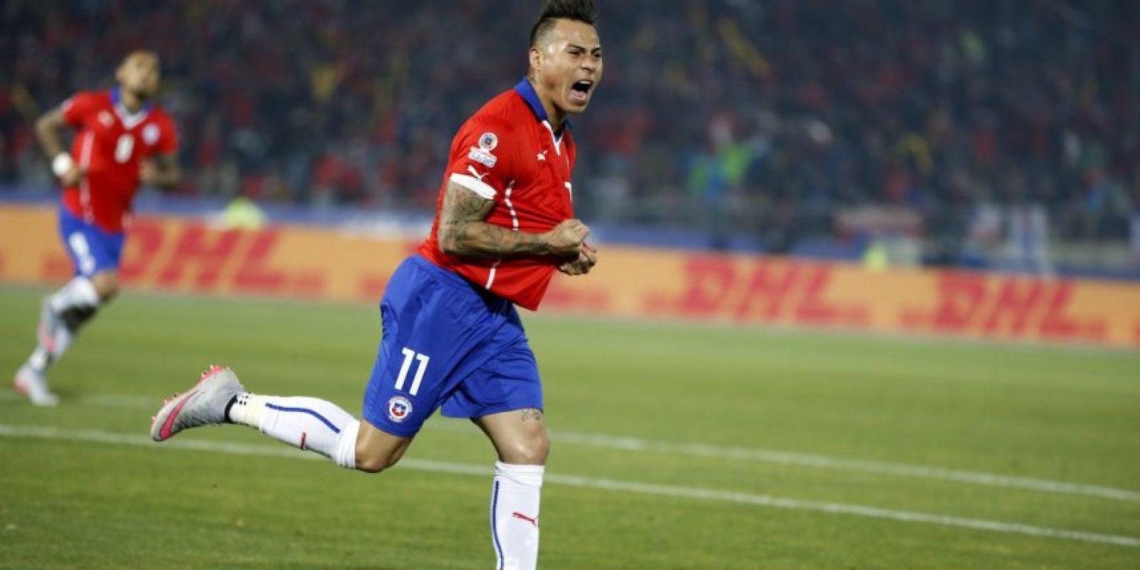 Eduardo Vargas anotó un doblete Foto:AFP
