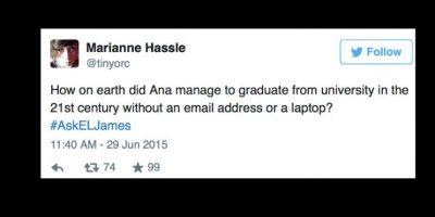 """""""¿Cómo diablos se pudo graduar Anastasia de la universidad en pleno siglo XXI sin computador y sin mail?"""" Foto:vía Twitter"""