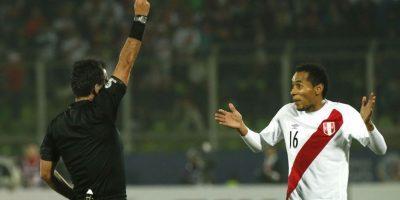 Carlos Lobatón se desempeña en el centro de la cancha Foto:AFP