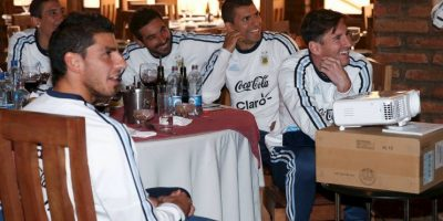 En las comidas. Foto:Vía facebook.com/AFASeleccionArgentina