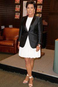 """Y para lucir sexy, parece que lo más indicado es una falda ajustada como la de """"Cait"""" Foto:Getty Images"""