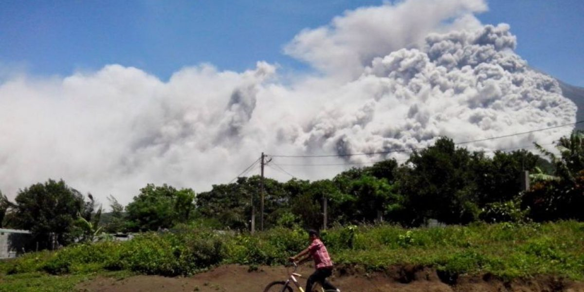 Video. La erupción del volcán de Fuego provoca alerta de peligro