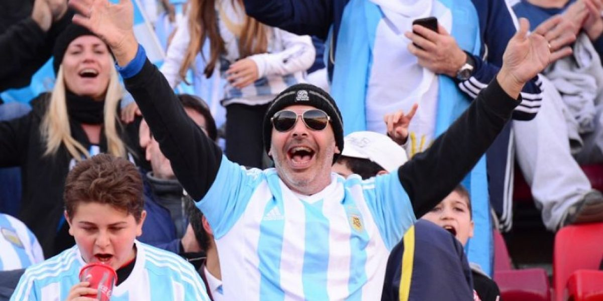 Alcalde critica el canto argentino