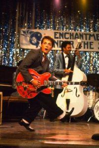 """Le dio vida a """"Marty McFly"""", un joven músico que viaja por accidente al pasado e intenta salvar el futuro de sus padres, sus hermanos y su propio nacimiento. Foto:IMDB"""