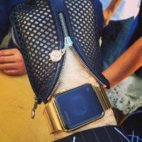 Karl Lagerfeld, uno de los diseñadores de moda más influyentes de la segunda mitad del siglo XX, también tiene su Apple Watch. Foto:instagram.com/bentoub