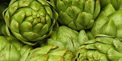 8. Alcachofa.LO QUE SE DICE: La alcachofa es excelente para bajar de peso por sus propiedades diuréticas y su alto contenido de fibra. Quema la grasa. Foto:Wikimedia