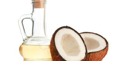 12. Aceite de coco. LO QUE SE DICE: Aceite que sirve para adelgazar, prevenir el cáncer, para piel y pelo. Foto:Tumblr