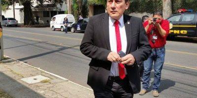 Líder pide a diputados señalados que se retiren del partido