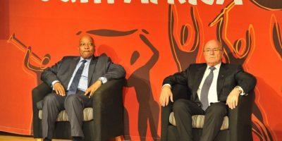 Después del Mundial de Sudáfrica 2010, 35 miembros ejecutivos de la FIFA recibieron 4.4 millones de dólares en bonos, quizá esta sea una de las tantas razones por la cual el organismo está envuelto en un escándalo de corrupción. Foto:Getty Images