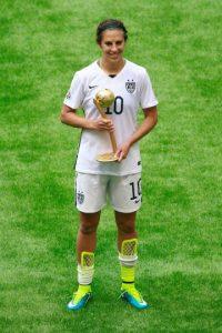Carli Lloyd, capitana de Estados Unidos, fue nombrada la jugadora más valiosa del Mundial Femenino en Canadá. Foto:Getty Images