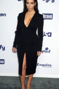 Kim en escote. Foto:vía Getty Images