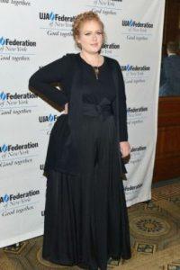 """Adele: Adele """"nunca he querido verme como una modelo en la portada de una revista"""", dijo la cantante inglesa a la revista People, """"represento a la mayoría de las mujeres y estoy muy orgullosa de ello"""". Foto:vía Getty Images"""