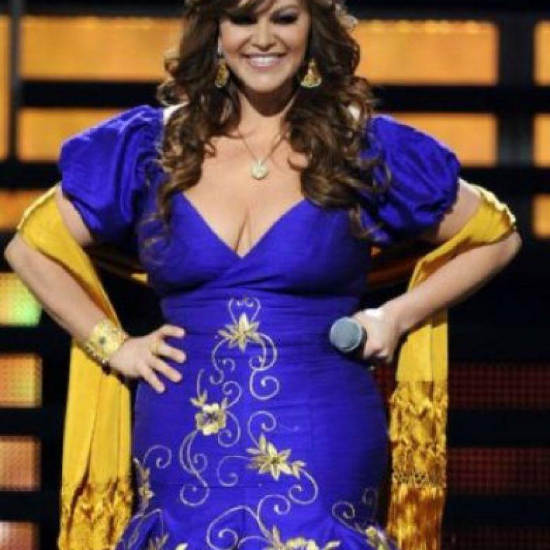 """Jenni Rivera: la difunta celebridad recibió críticas sobre su trasero y respondió """"Mi trasero es grande porque mucha gente lo tiene que besar"""". Foto:vía Getty Images"""