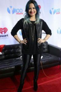 """Demi Lovato: esta cantante ha tenido problemas con desórdenes alimenticios. Respondió a quienes la criticaron a través de Twitter """"¿Adivinen qué? Soy saludable y feliz y si me odian por mi peso, es porque ustedes no lo son."""" Foto:vía Getty Images"""