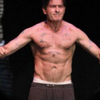 6. Charlie Sheen Foto: vía Getty Images