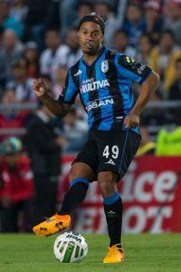 6. Ronaldinho Foto:Getty Images