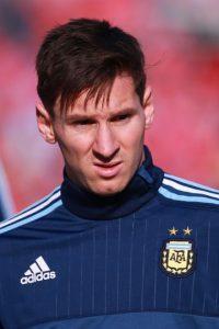 """""""El mejor jugador del mundo no nos representa en los momentos importantes. Su actuación de ayer fue, directamente, indignante"""", publicó el diario """"Olé"""" de Argentina. Foto:Getty Images"""