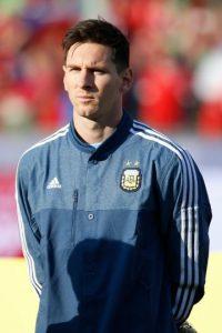 """""""Messi no pudo demostrar su habitual capacidad para desnivelar y ser la carta ganadora del equipo"""", publicó el sitio de noticias InfoBAE. Foto:Getty Images"""