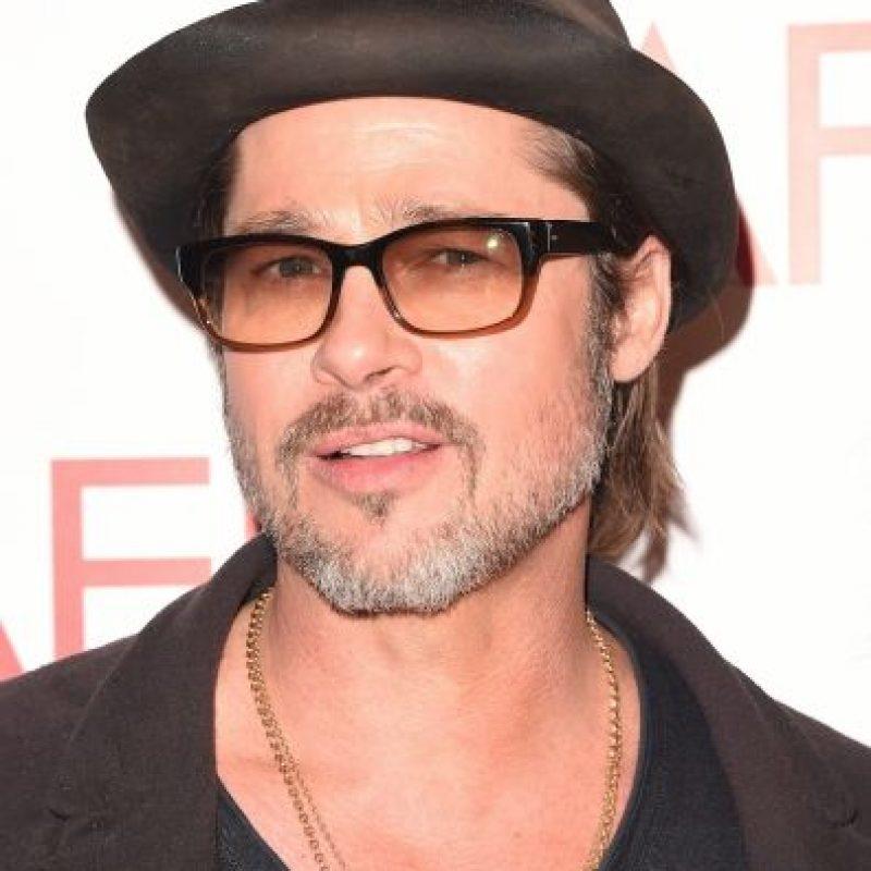 """Luego de protagonizar la película """"Sr. y Sra. Smith"""", el actor, que estaba casado con Jennifer Aniston, se enamoró de Angelina Jolie. Foto:Getty Images"""