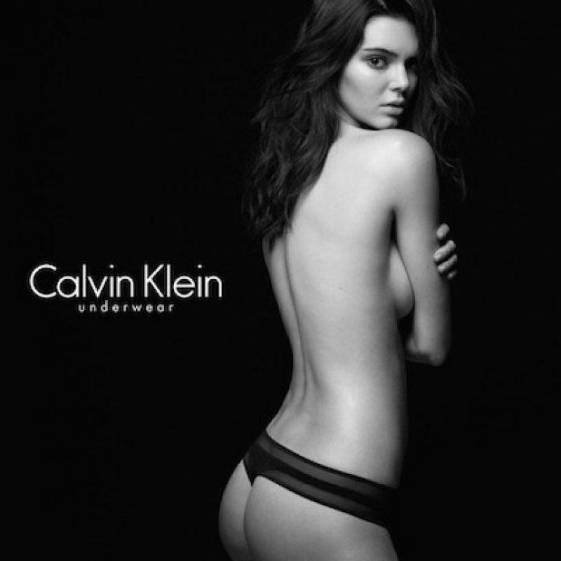 Kendall Jenner posó en topless para Calvin Klein. Foto:Instagram / Kendall Jenner