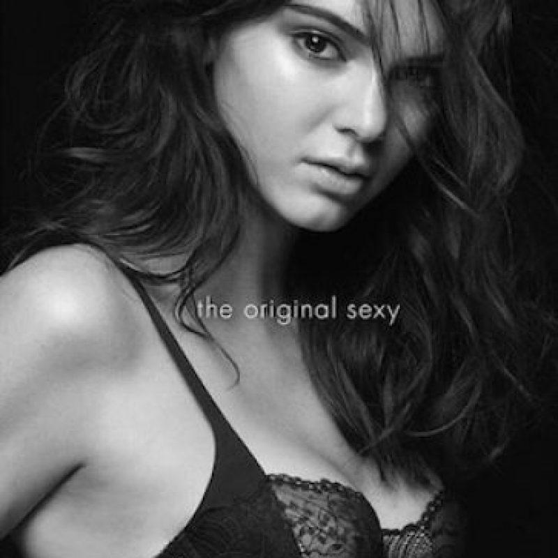 La modelo de 19 años apareció en ropa interior en la campaña. Foto:Instagram/itskendallj