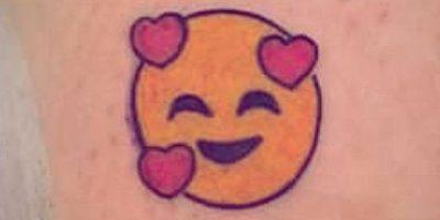 FOTOS: 17 tatuajes de emojis que seguramente les encantarán