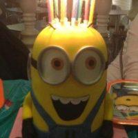 "15.- Un cumpleaños podria ser mejor con este pastel (torta) de ""Minion"" Foto:https://instagram.com/maisie08rivera"