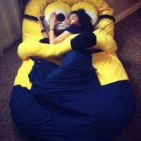 """13.- Esta cama para descansar en los brazos de un """"Minion"""" Foto:vía instagram.com/maisie08rivera"""