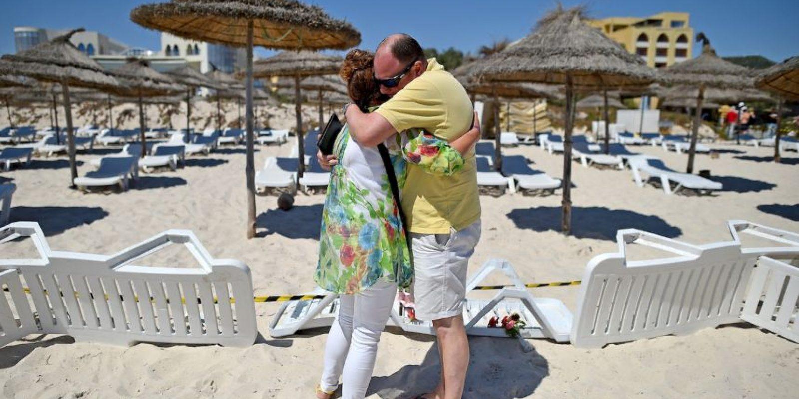 7. El Gobierno desplegó su ejército en Túnez como medida de seguridad. Sin embargo, los turistas se fueron y muchos cancelaron sus vacaciones para las próximas semanas. Foto:Getty Images