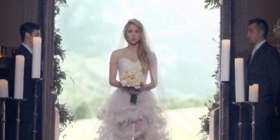 """Shakira se vistió de novia para el video de su canción """"Empire"""" Foto:Vía shakiraVEVO"""