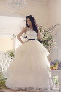 La ex Miss Universo modeló para una colección del diseñador mexicano Benito Santos Foto:Pinterest