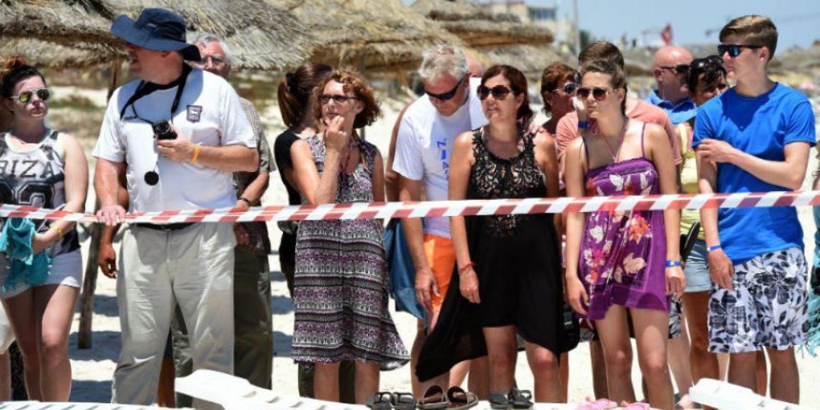 El Secretario de Relaciones Exteriores, Philip Hammond, afirmó que al menos tres mil británicos se encuentran en Túnez. Foto:AFP