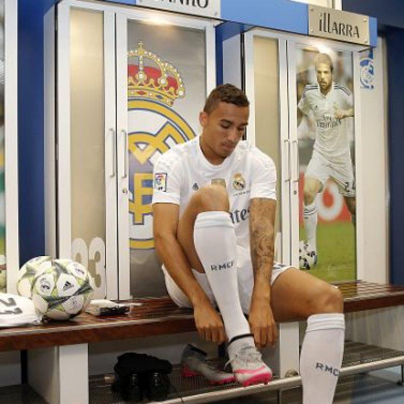 """""""Llega un hombre con el que querían contar los mejores de Europa. Lo tenía claro, quería formar parte de este equipo y por eso está aquí"""", añadió el presidente del club merengue. Foto:Getty Images"""