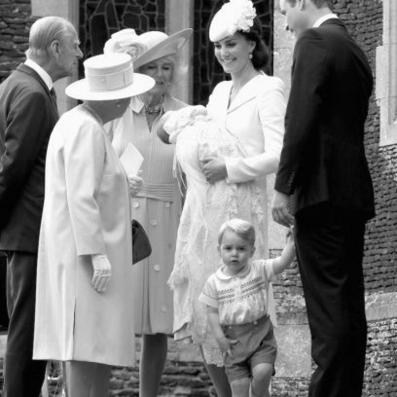 La reina Isabell II saluda a la princesa. Foto:Getty Images