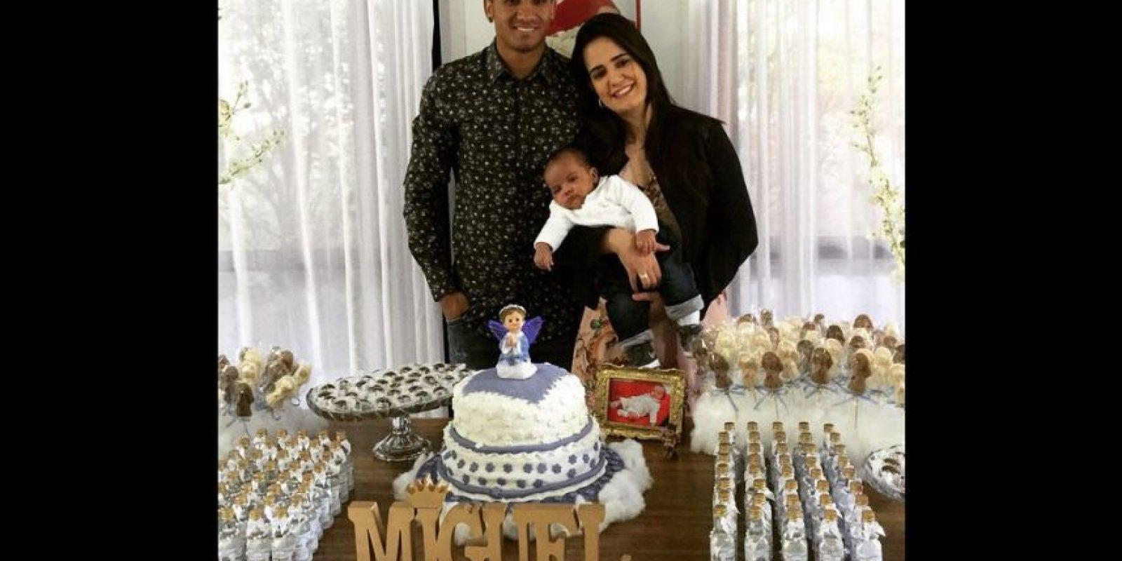Con su familia. Foto:Vía instagram.com/oficialdaniloluiz