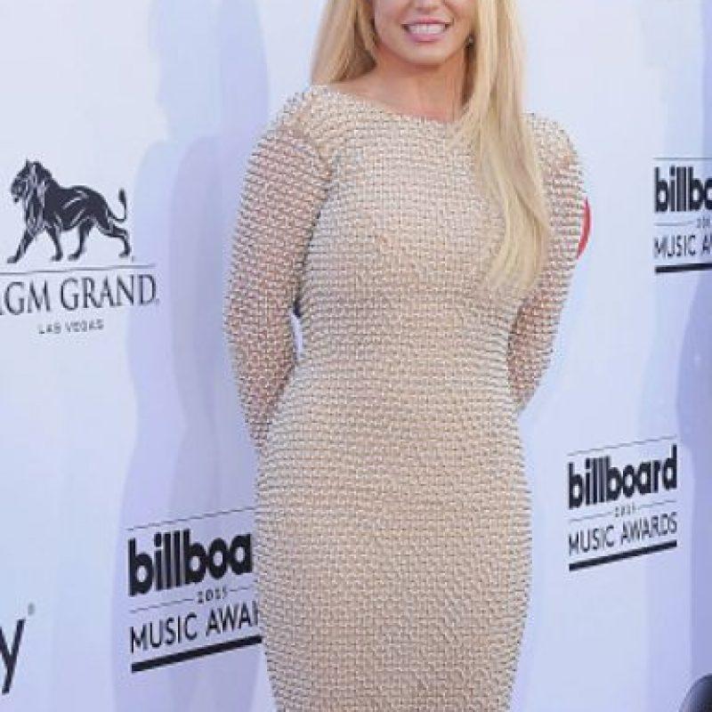 Britney Spears es desordenada y se pica la nariz. Foto:vía Getty Images