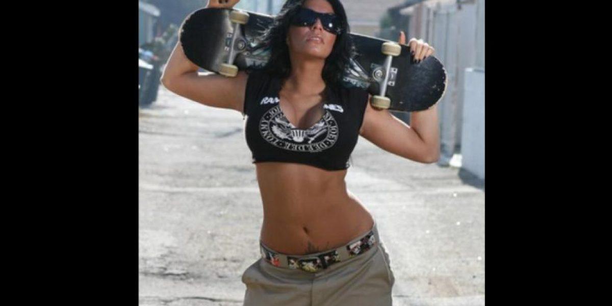 Filtran imagen de exdiva de la WWE desnuda y se vuelve viral
