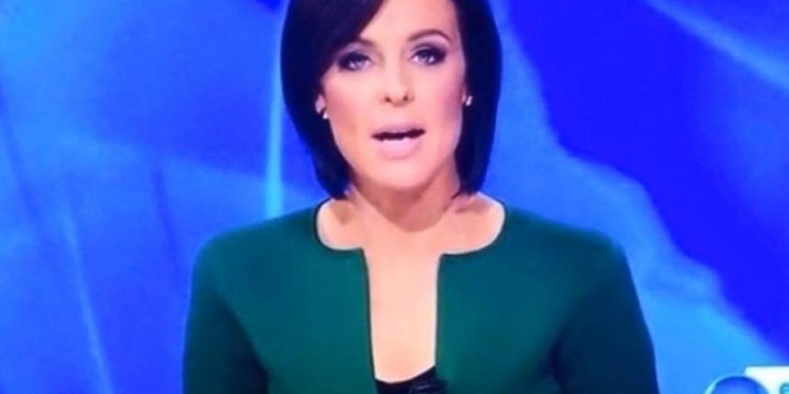 Forma fálica en escote de presentadora causa revuelo en las redes Foto:Facebook.com/UNILAD