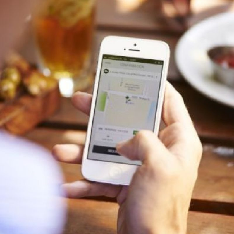 8- La tarifa de Uber se cobra de la siguiente manera: Tarifa base + minutos en el auto + kilómetros recorridos. Además, cada tipo de auto tiene una tarifa mínima y una tarifa de cancelación. Foto:Uber