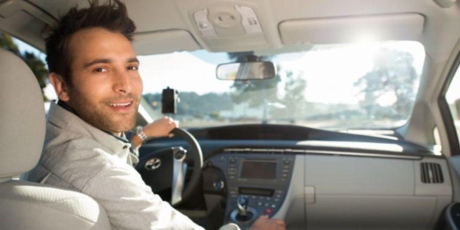 12- El cobro se hace al finalizar el viaje y se paga con PayPal (no válido para promociones), tarjeta de débito o crédito. Foto:Uber