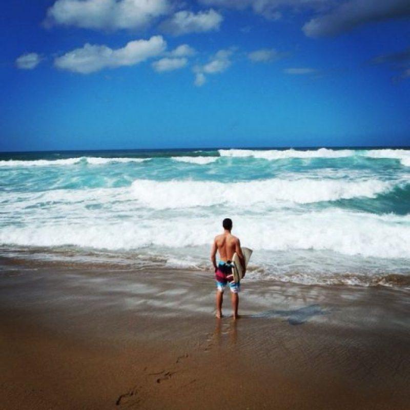 Afirma que si bien los salvavidas se divierten, tienen que trabajar mucho. Foto:vía Instagram/Tyler Hackey