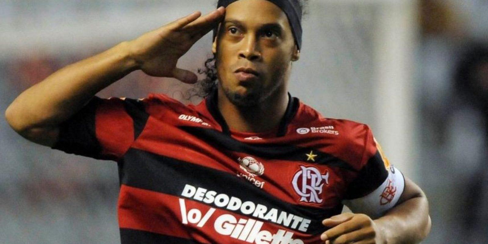 Regresó a Brasil y en el Flamengo estuvo de 2011 a 2012. Foto:Twitter