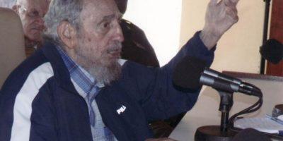 A sus 88 años, reaparece Fidel Castro para reconocer a trabajadores y militares