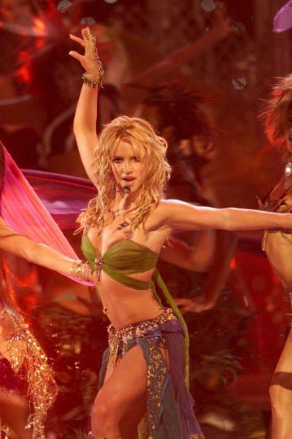 Britney también se aumentó el tamaño de sus pechos con implantes. Foto:Getty Images