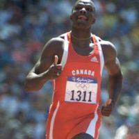 Se retiró en 2001, tras no clasificar para la final de 100 metros lisos en Edmonton. Foto:vía Getty Images