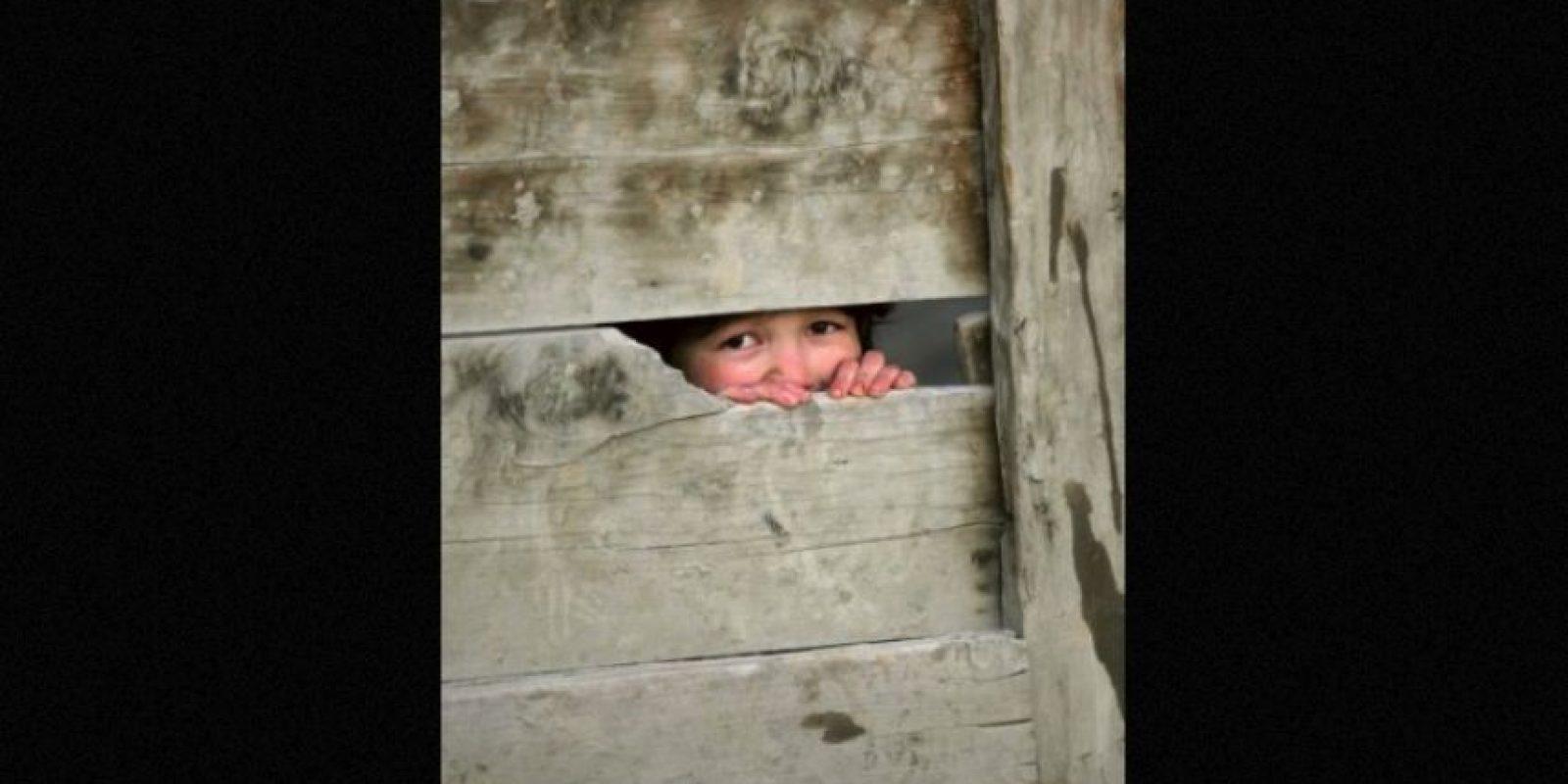 Mientras otros niños de su edad jugaban en las calles cercanas, Daniel sólo quería hacer su trabajo. Foto:Foto: Getty Images