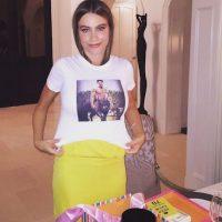 Una camiseta estampada con la imagen de su prometido, Joe Manganiello. Foto:Instagram/SofiaVergara