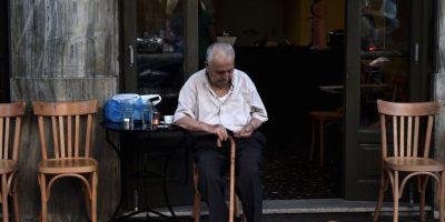 """La Unión Europea pidió """"reformas ambiciosas"""", como aumentarla edad de jubilación a 67 años y congelar el sistema de pensiones hasta 2021. Foto:Getty Images"""